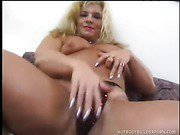 Fit Blond Bitch Has Her Muscled Framed Plowed