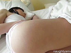 Cheating GF Gets Cock When Boyfriend Leaves For Work!