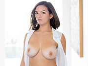 Busty Shae Summers gets a messy facial